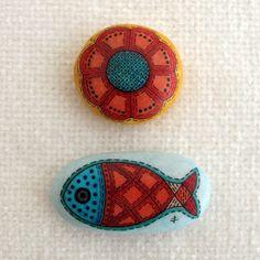 handpainted stone / summer fish