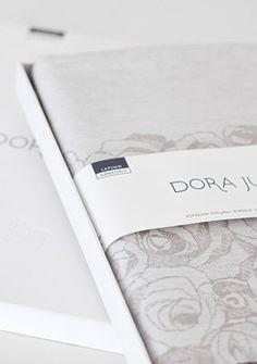 Dora Jung, boxes