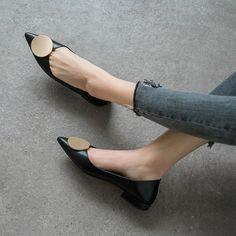 Chiko Kymberlyn Pointed Toe Block Heels Clogs/Mules Pointed Toe Block Heel, Block Heel Loafers, Heeled Loafers, Block Heels, Women's Oxfords, Sneakers Fashion, Fashion Shoes, Cheap Fashion, Fashion Fall