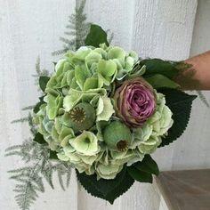 Å dessa underbara hortensior, rosor och vallmo. Sommar i en bukett! #lillahults #hortensia #gjordmedkärlek  #hultabukett