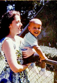 Barack Obama and his mother - Retronaut