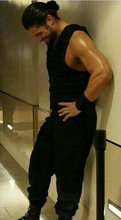 The big dog Roman Reigns Wwe Superstar Roman Reigns, Wwe Roman Reigns, Dean Ambrose Shield, Roman Regins, The Shield Wwe, Wrestling Superstars, Wwe World, Man Bun, Wwe News
