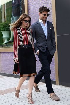 Olivia Palermo Street Style & more details Olivia Palermo Outfit, Olivia Palermo Lookbook, Olivia Palermo Style, Fashion Couple, Work Fashion, Fashion Outfits, Womens Fashion, Street Fashion, Circle Skirt Outfits