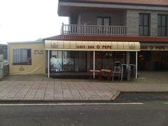 Capota con pies lona corredera con ventana. Cafe O pepe de Lalin.