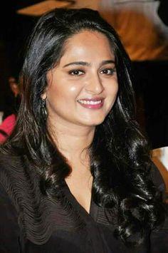 Indian Actress Gallery, South Indian Actress, Anushka Latest Photos, Indian Face, Angels Beauty, Actress Anushka, Prettiest Actresses, Celebs, Celebrities
