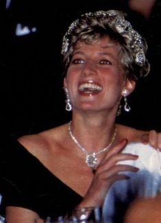 Diana Photos page 1 - RoyalDish is a forum for discussing royalty. The Danish and British Royal Families in particular, so get your snark on! Princess Diana Family, Royal Princess, Lady Diana Spencer, Kate Middleton, Prinz William, Prinz Harry, Princesa Kate, Diana Fashion, Isabel Ii