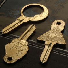 An interesting key can make opening a mundane lock into something special. These three keys made by jeweler Erica Weiner are pretty damn nifty. All-Seeing Eye Key Good Night Key Up Yours Key All th… There is no key to my secrets. Do not search for them. Key Blanks, House Keys, Key Design, My Dream Home, Cool Stuff, Stuff To Buy, Sweet Home, New Homes, House Design
