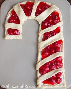 Fun Christmas Breakfast Ideas for Kids cherries or berries with cream cheese and cresent rolls. so easy for the holidays.cherries or berries with cream cheese and cresent rolls. so easy for the holidays. Christmas Brunch, Christmas Breakfast, Christmas Cooking, Christmas Goodies, Christmas Treats, Holiday Treats, Holiday Recipes, Christmas Desserts, Christmas Shopping