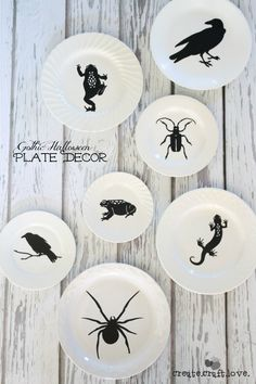 DIY - Gothic Halloween Plates (Source : http://www.createcraftlove.com/2014/09/gothic-halloween-plate-decor.html/2) #halloween #decoration