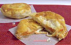 Rustico leccese Best Italian Recipes, Spanakopita, Camembert Cheese, Pizza, Meat, Chicken, Ethnic Recipes, Mozzarella, Panini
