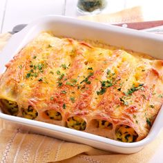 A recipe for Cannelloni Bellismo made with heavy or whipping cream, Parmesan cheese, salt, white pepper, frozen chopped spinach Cannelloni Ricotta, Cannelloni Recipes, Savory Pumpkin Recipes, Veggie Recipes, Chicken Recipes, No Cook Meals, Pasta Dishes, How To Cook Chicken, Recipes