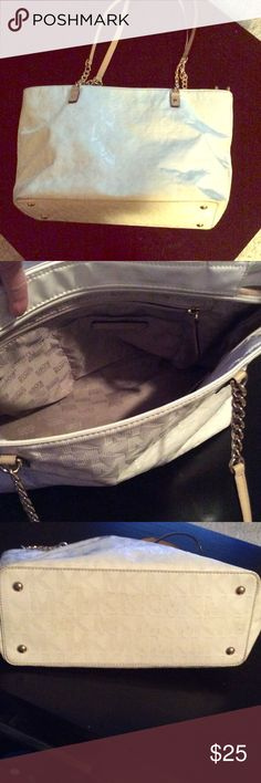 Michael kors bag Very used has some stains needs cleaned MICHAEL Michael Kors Bags Shoulder Bags