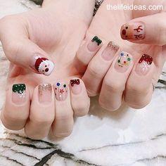 Christmas Nails Mix & Match Christmas Cotton Candy Nail Art Tutorial – Page 23 – The Life Ideas Wedd Nail Noel, Xmas Nail Art, Christmas Gel Nails, Christmas Nail Art Designs, Holiday Nails, Minimalist Nails, Nail Swag, Nail Art Courses, Palm Nails