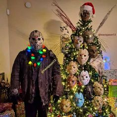 """""""Horror fans Christmas be like. Halloween Christmas Tree, Creative Christmas Trees, Christmas Post, Halloween Ornaments, Black Christmas, Christmas Tree Themes, Halloween House, Fall Halloween, Halloween Decorations"""
