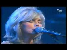Emmylou Harris - Love Hurts - Live - 2000.wmv - YouTube