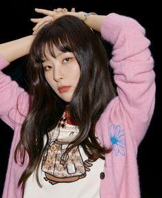 South Korean Girls, Korean Girl Groups, Seulgi Instagram, Vibe Magazine, Different Art Styles, Red Velvet Seulgi, Uzzlang Girl, Thing 1, Looking Gorgeous