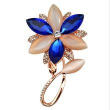 Promoción moda Vintage broche cristalina del Rhinestone de color crema y azul de la flor broche broche Unisex(China (Mainland))