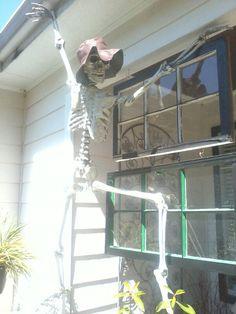 Climbing skeletons...