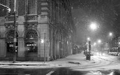 nature winter snow urban grayscale s nowfall wallpaper background Black And White City, Black N White Images, City Photography, Winter Photography, Winter Art, Winter Snow, Winter Night, Snow Night, Winter White