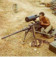 US Marine using a cal with scope near Khe Sanh, Vietnam War. Military Humor, Military Weapons, Weapons Guns, Military History, Vietnam History, Vietnam War Photos, Photo Avion, Military Pictures, Us Marine Corps