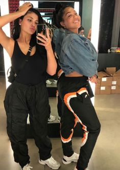 Image about style in Kardashian/Jenner👄 by Jill Griska Ropa Kylie Jenner, Looks Kylie Jenner, Estilo Kylie Jenner, Kylie Jenner Outfits, Kylie Jenner Style, Kylie Jenner Friends, Kylie Jenner Fashion, Kendall Jenner, Chill Outfits