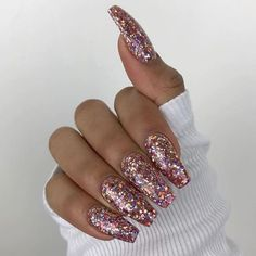 Sparkle acrylic nails, coffin nails glitter, gliter nails, chunky glitter n Gliter Nails, Coffin Nails Glitter, Pink Nails, Gel Nails, Sparkly Acrylic Nails, Matte Nails, Rose Gold Glitter Nails, Pink Sparkly Nails, Chunky Glitter Nails