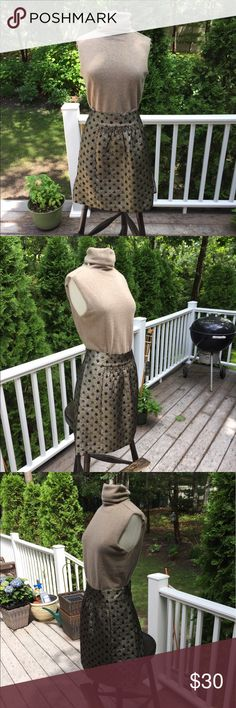 """Tibi Black/Silver Party Skirt 30 1/2"""" waist 19 3/4 long. Skirt is lined, and maybe worn a couple of times. Great for the fall/winter - it is silver/black/gold - the gold thread makes for a really pretty gold sheen Tibi Skirts Midi"""