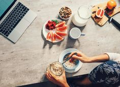 It's tempting to fall prey to mindless snacking, but making nutritious choices can help boost our well-being. Granola, New Recipes, Real Food Recipes, Health And Wellness Coach, Anti Inflammatory Diet, Health Eating, Healthy Options, Nutrition Tips, Healthy Treats
