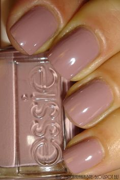 My Chihuahua Bites!: Essie - Lady Like Love Nails, How To Do Nails, Fun Nails, Pretty Nails, Essie Nail Polish, Nail Polish Colors, Nail Polishes, Tips Belleza, Manicure And Pedicure