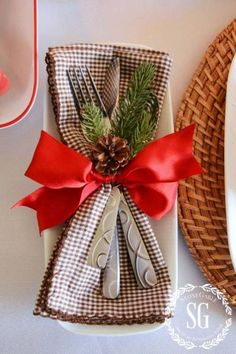 Woodland Christmas Tablescape And 250 00 Giveaway - Weihnachten Christmas And New Year, All Things Christmas, Christmas Holidays, Christmas Crafts, Xmas, Christmas Ideas, Christmas Place, Elegant Christmas, Christmas Christmas