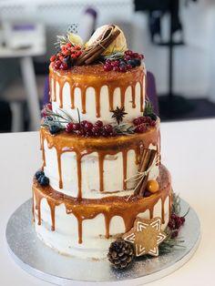 Tort cu caramel scurs. Decor Scorțișoara, turta dulce și fructe. Cofetăria BB cakes Dumbravita Timisoara Tiramisu, Caramel, Wedding Cakes, Birthday Cake, Tasty, Ethnic Recipes, Desserts, Food, Sticky Toffee