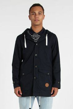 Say what? You left the house without your coat? In winter? In NZ? You fool of a man. Wise up and get the Glacier 2.0 Jacket from Huffer. Sure it looks the steazy biz, but with its hood, double opening, drawcords and thick inner lining, it also provides a sound defence against an NZ winter.