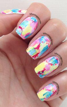 Nail art - Monochromatic Floral Nail Art