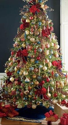 how to decorate your christmas tree with ribbon like a provideo tutorial christmas decor and ideas pinterest christmas christmas decorations and