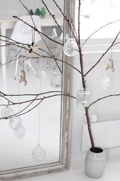 Stick In A Pot Christmas Tree | Community Post: 20 Alternative Christmas Tree Ideas
