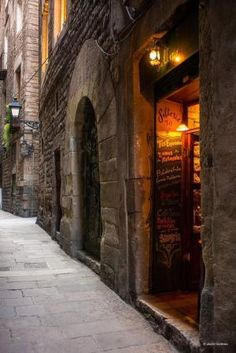 the charm of barri gotic by IvyNut