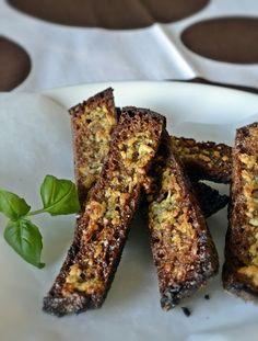 ruisleipä grissinit - Kivaa lisää tuo hunaja öljy seoksessa tai pari raitaa valmiiden tikkujen päälle. Pesto-hunaja tikut ehdottomasti oma suosikki!!