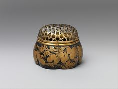 Incense Burner in the Shape of a Melon with Autumn Flowers and Grasses, Edo period, early 17th century, Japanese. The Metropolitan Museum of Art, New York. Rogers Fund, 1912 (12.134.29)