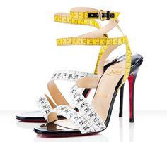 Zapatos cinta métrica #ZapatosRaros #UglyShoes
