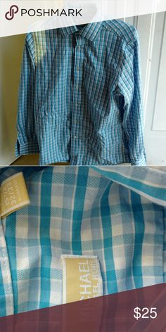 Michael Kors Slim Fit Size 15.5 dress shirt Michael kors slim fit dress shirt in great condition. I'm the only owner and I've only worn it 3 times. Michael Kors Shirts Dress Shirts