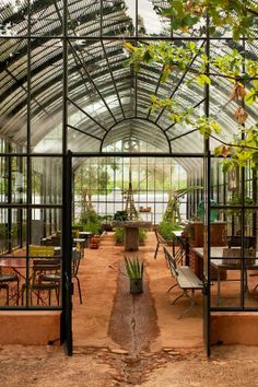 Greenhouse cafe at Babylonstoren (South Africa) Babylonstoren is one of the oldest Cape Dutch farms. It has a fruit and vegetable garden of beauty and diversity unique accommodation fine food and a sense of wellbeing. Greenhouse Cafe, Greenhouse Restaurant, Greenhouse Ideas, Farm Restaurant, Small Greenhouse, Greenhouse Wedding, Outdoor Spaces, Outdoor Living, Pergola