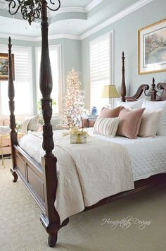 Romantic Bedroom Decor Ideas to Make Your Home More Stylish on a Budget - The Trending House Bedding Master Bedroom, Master Bedroom Design, Dream Bedroom, Home Decor Bedroom, Classic Bedroom Furniture, Bedroom Designs, Master Suite, Traditional Bedroom Decor, Traditional Homes