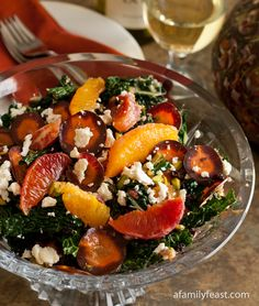 Tuscan Kale Salad with Oranges, Currants and Feta - healthy and really delicious!