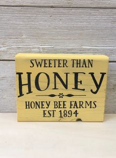 Wood Block Crafts, Wood Blocks, Honey Bee Home, Honey Bees, Diy Holiday Blocks, Bee Skep, Bee Hives, Welcome Wood Sign, Bee Farm