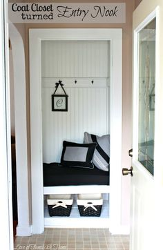 Love Of Family & Home: My Sister's New House & A Coat Closet Turned Entry Nook...{Entry Makeover}