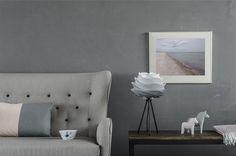 VITA Carmina mini misty grey on black tripod table