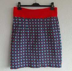 Tricot home made skirt! Easy peasy without zipper!  Pattern from the book Allemaal rokjes.