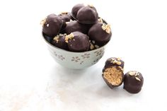 Sweet and salty, creamy and crunchy, all at the same time. These low carb peanut butter crunch balls are absolutely delectable and no one will guess they are keto and sugar-free. Low Carb Candy, Keto Candy, Low Carb Deserts, Low Carb Sweets, Low Carb Keto, Low Carb Recipes, Keto Fat, Flour Recipes, Paleo Recipes