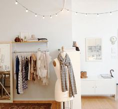 Interior, Beautiful Interior Decoration with Various String Lights: White Interior With String Ligh On The Wall