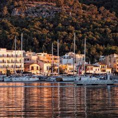 ANDRATX im Abendlicht #andratx #mallorca #mittelmeer #sailing #segeln #ig_europe #instagood #beach #feelgoodphoto #streetphotography #mediterraneo #life #port #puerto #sunset #ig_today #ig_europe #ig_worldclub #best_streetview www.porip.de